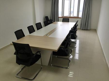 ballbet贝博足彩西甲会议桌椅12